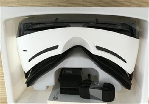 全球最强移动VR?  三星Gear VR开箱评测