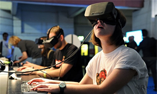 Oculus捐赠教育组织Oculus Rift 助力内容
